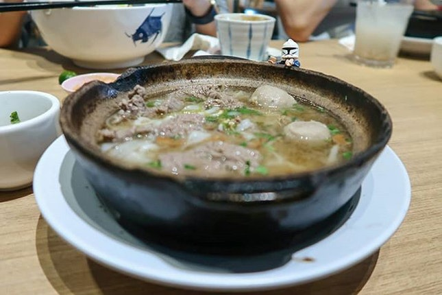 I wish I were a beef ball, floating in a bowl of hearty beef broth, along with juicy beef slices and flowy koay teow noodles.