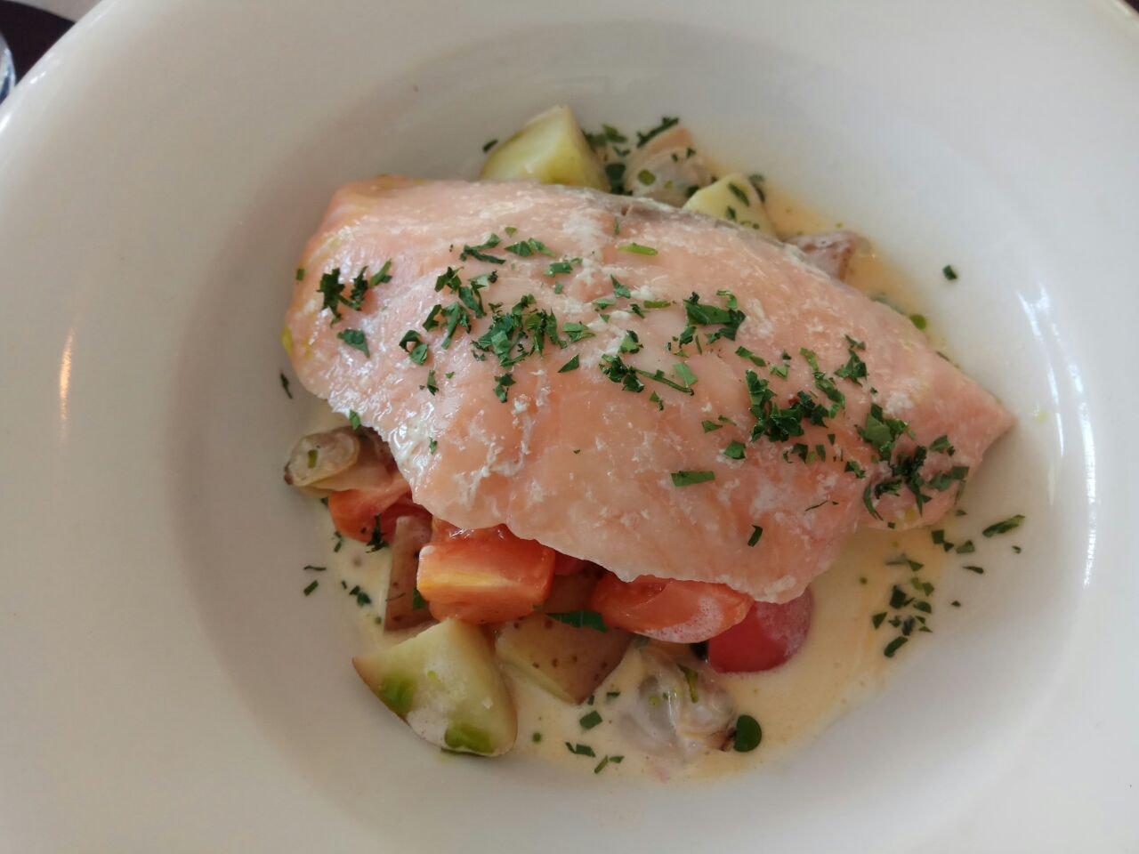 Poached Salmon 26nett