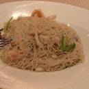 Yan Signature Braised Rice Vermicelli W Shrimp, Fish, And Salted Fish 28++S