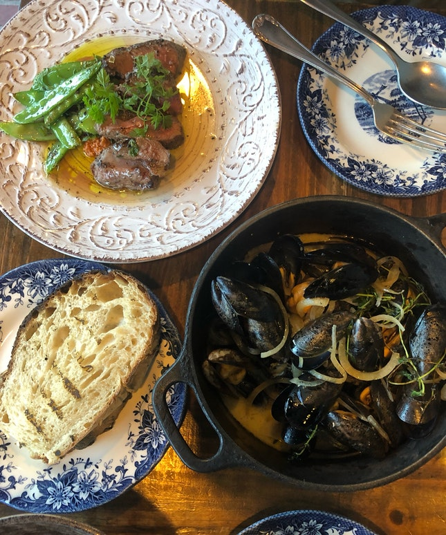 White Wine Blue Mussels And Lamb Rump