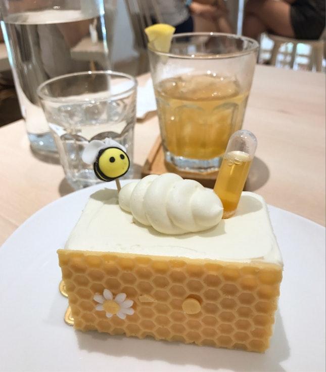 10 Best (and cute) Cake Spot