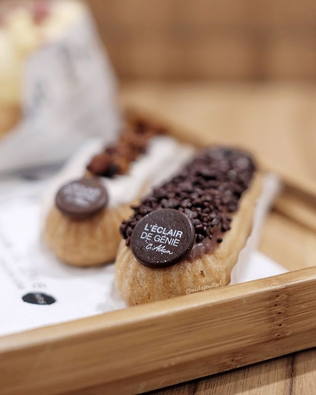 A patisserie that specializes in making the perfect éclairs - AWESOME.