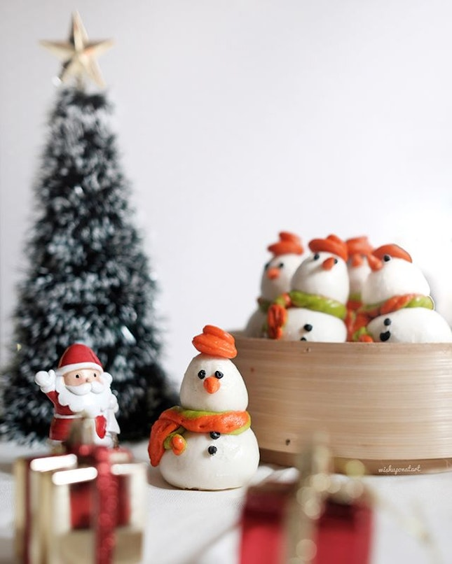 Aren't these little snowman baos (aka buns) just adorable?
