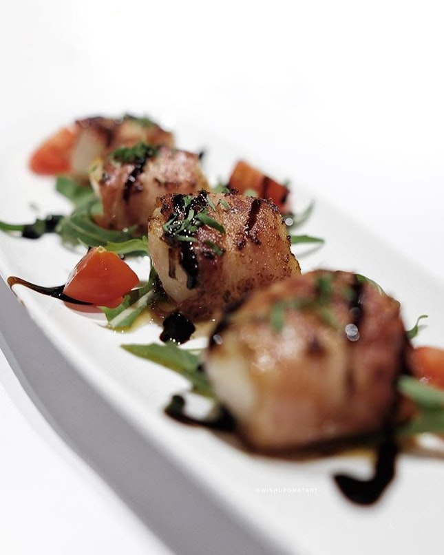 Grilled Scallops wrapped with pancetta ham.