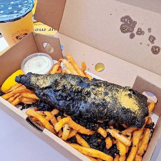 "I name it ""The Black Gold Bar"" so far the best fish & chips I ever had..."