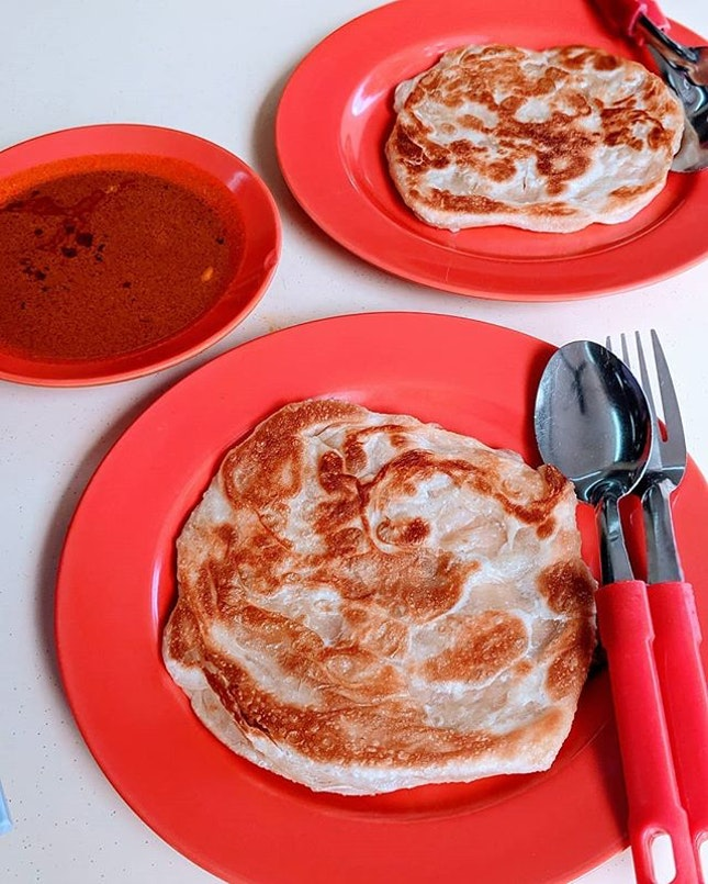Happy mid-week ✌️ crispy prata kosong .
