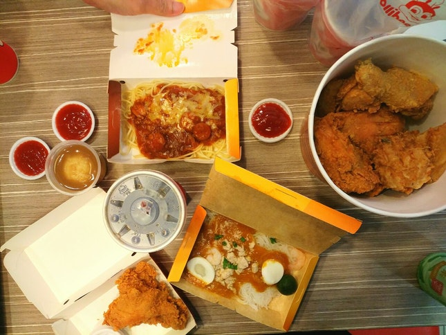 Jollibee Lucky Plaza Level 6 Reviews Singapore Burpple