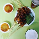 Beer & Satay brings Friday night to a whole new level.😋 #satay #beer #smithstreettaps #jdkungfoodhunt #burpple #singapore
