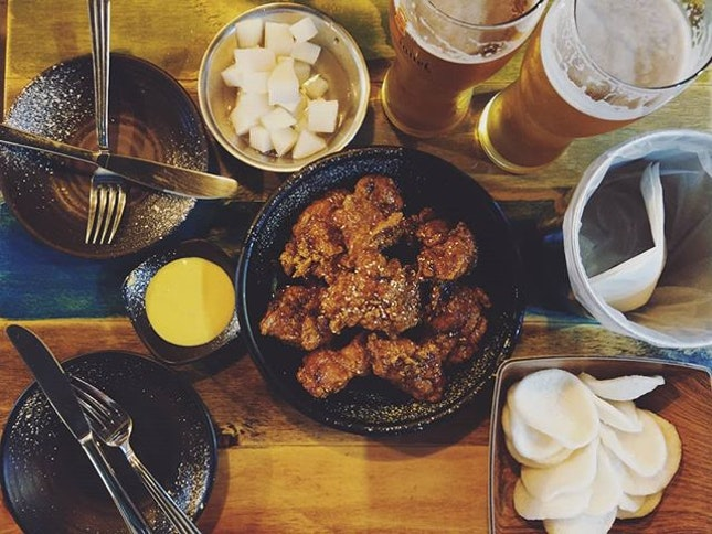 Go here for a good fried chicken and decent beer.