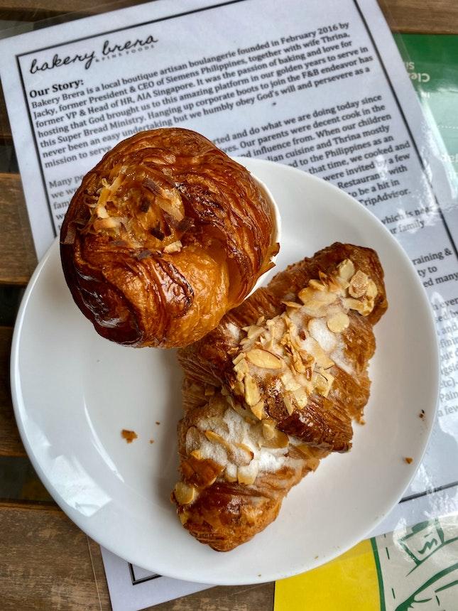 Kaya Cruffin & Almond Croissant
