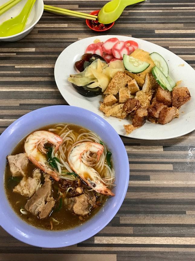 Prawn Mee With Pork Ribs & East Coast Ngoh Hiang