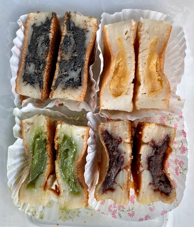 Min Jiang Kueh (Black Sesame, Salted Bean, Pandan Paste & Red Bean)