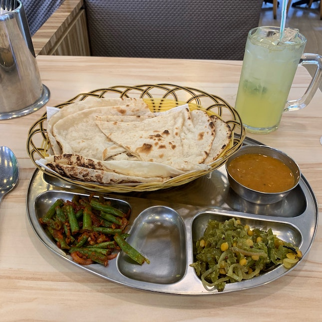 Naan Veg Set With Lime Juice