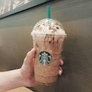 🇸🇬 Having Starbuck's Banana Split Mocha Frappuccino for Coffee break!
