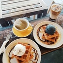 📍 Creamier  Waffles here are sweet on its own and topped with your choice of ice-cream, its definitely gives you the sugar rush 🤪  Scored their waffle + drink set at 1 for 1 because we used Burpple Beyond!