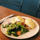 📍 Oberstrasse Egg Benedict ($14) Chose the option with Prosciutto (basically ham in another form).