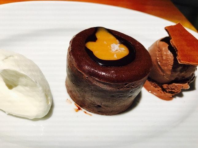 Molten Lava Cake With Rich Chocolate Ice Cream