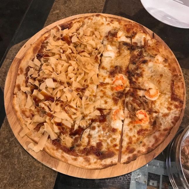 Half & Half Pizza: Roasted Duck • Garlic Shrimps
