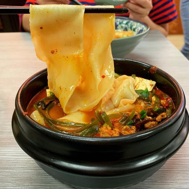 Mala claypot noodles