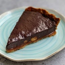 Chocolate Caramel Macadamia Tart