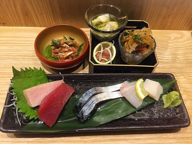 This beautiful array of cold starters and sashimi came in nice wooden box.