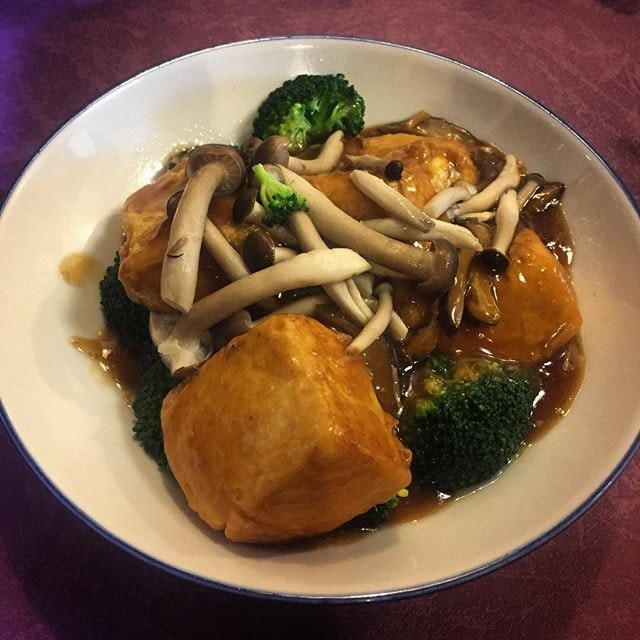 The tofu was silky soft and the broccoli provided the crunch.