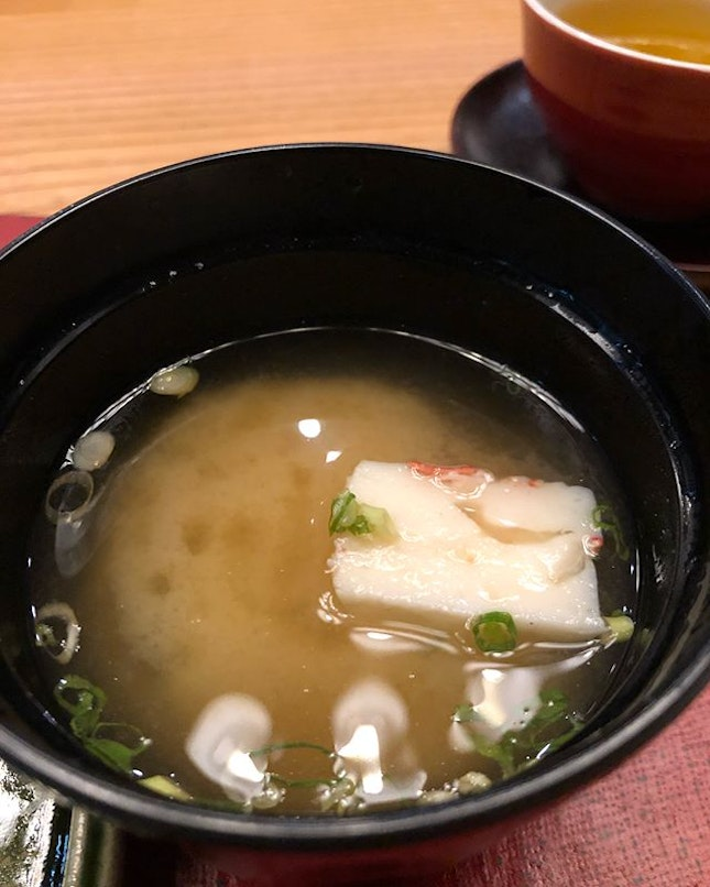 Each main course is served with a most delightful miso soup with a piece of fishcake or what Chef @taro.g.sin calls Japanese yong tau foo and abalone rice.