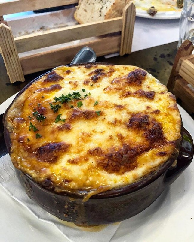 Moussaka, possibly one of my fav Greek dishes and here, it's on point.