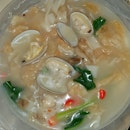 海鮮花甲鴛鴦河粉  $5