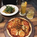 Simply Margherita Pizza