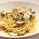 Spaghetti alle vongole aglio olio e peperonicino ($26++) A seafood lover's dream.