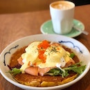 Pumpkin pancake ($19, no gst)  Poached eggs, smoked salmon, hollandaise and orange tobiko roe.