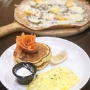 Their Salmon Ahumado consisted of a cream cheese, sweet corn stuffed pancakes along with smoked Norwegian salmon, scrambled eggs, and cream franchaise.