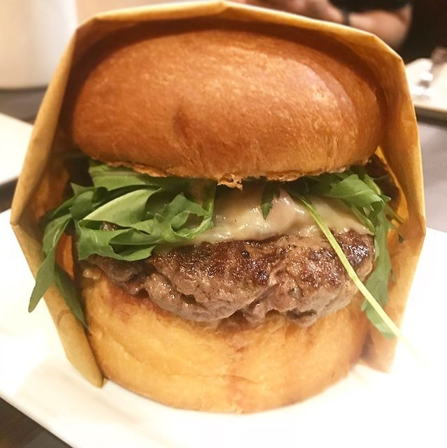We had awesome US burgers last night at 25 Degrees located in Hotel G!