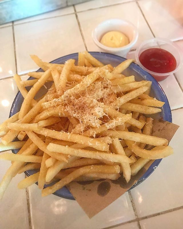 Ytd Brunch - Truffle Fries 🍟 taste extremely goood!
