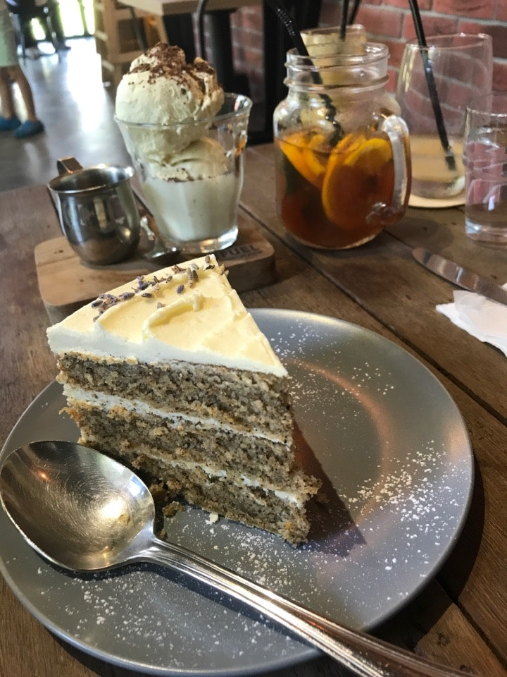 Earl Grey Tea ☕️ Cake 🎂 And Affogato