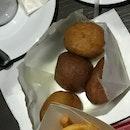 Ri Xing Xiang Ji Fried Sweet Potato Dumpling (Maxwell Food Centre)