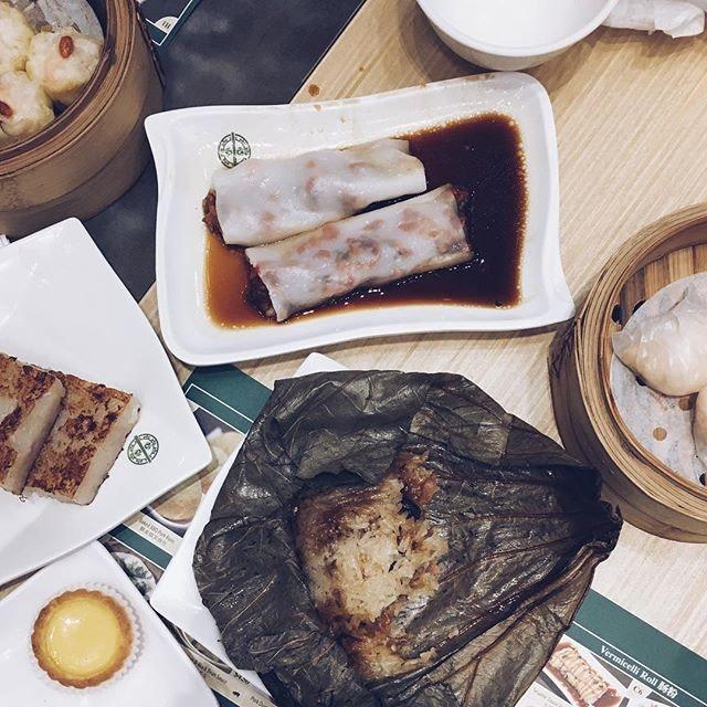 """""""很少 asian food in the UK so let's eat dimsum"""" great meetup w @lokyanlin & @barneychansh today!"""