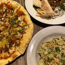 I need to get better at posting regularly 🤡 I say that when I begin my internship tomorrow 😃  📌 RATA @ SS15  📷 Lamb Ragout And Mango Chutney Pizza [RM28.90]; Mutton Fried Rice [RM27.90]; Pesto Conchiglie Pasta [RM16.90]  ✨ Winner was the pizza (though it did get pretty cloying) followed by the pasta.