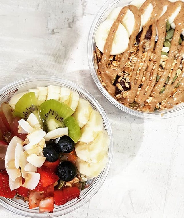 Hawaiian bowl x protein bowl 🥝  Acai bowls are always a refreshing, healthy treat.