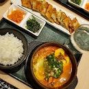 yummy t0fu h0tp0t & seaf00d chijimi (pancake)😋😋 #daebak #oishii .