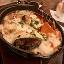Seafood Rappoki (ramyeon with tteokpokki) came with the added comfort of mozzarella cheese topping