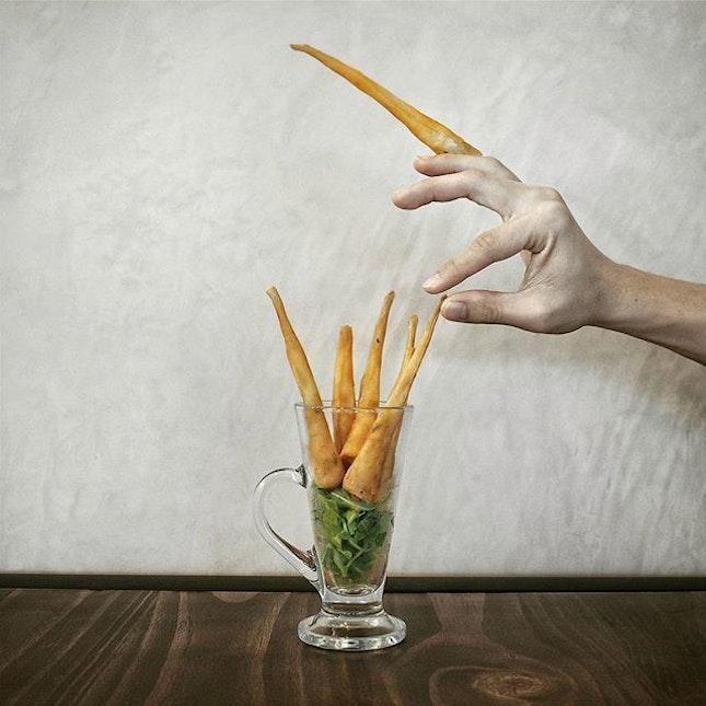 Dowager's Fingers - 娘娘的手指 - 대비마마님의손가락 [$10].