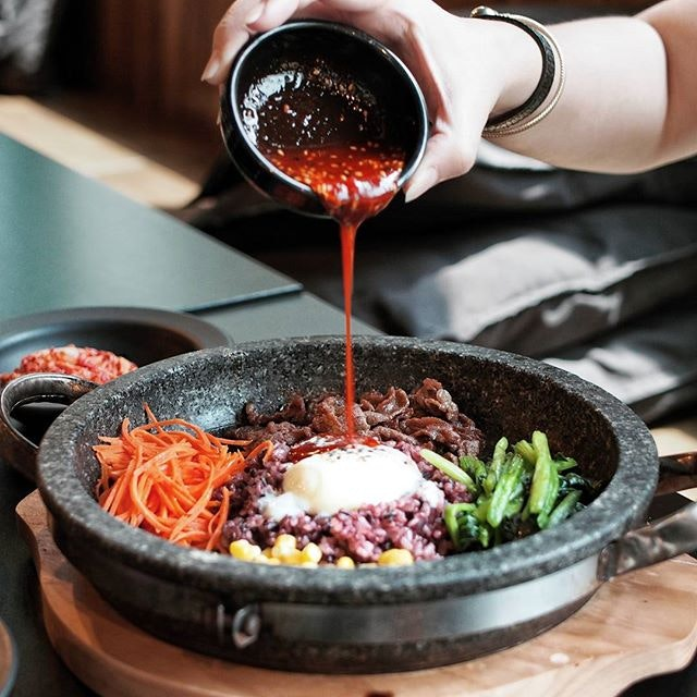 I love Dolsot Bibimbap that comes with charred smoky fragrance, and this nailed the spot.