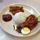 Nasi lemak with deep fried chicken and rendang pork #food