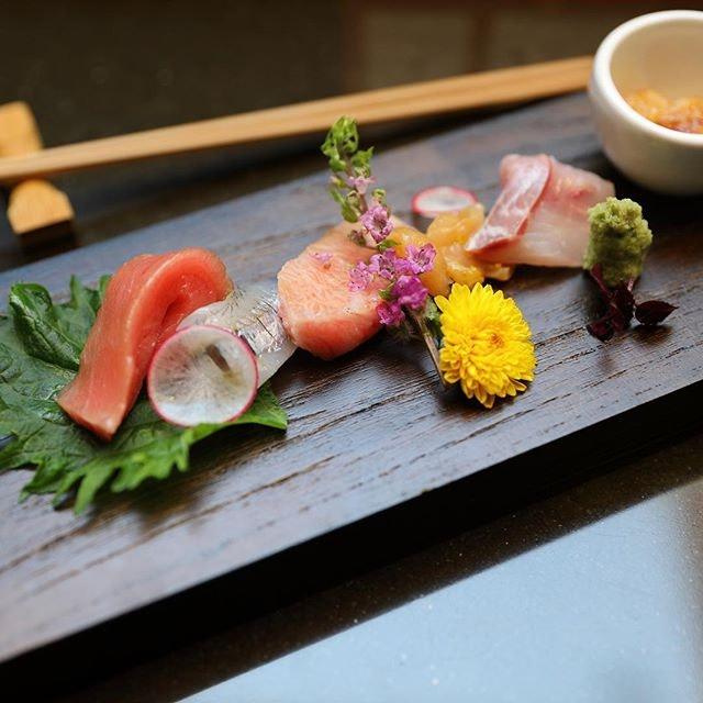 [Tamashii Robataya] - Featuring the fresh seafood of Kansai region.