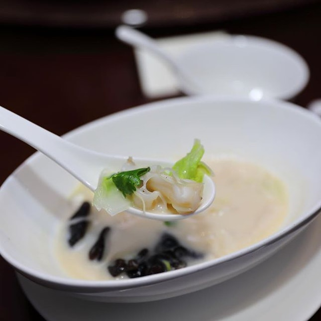 [Blossom] - Poached Bamboo Clam with Cabbage and Fungus in Fish Broth ($20 per pax) is both hearty and comforting.