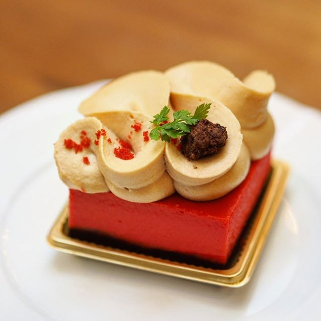 [Antoinette] - Velvet Rouge ($9/$42.50/$85) was a well-executed elegant take on the classic red velvet cheesecake.