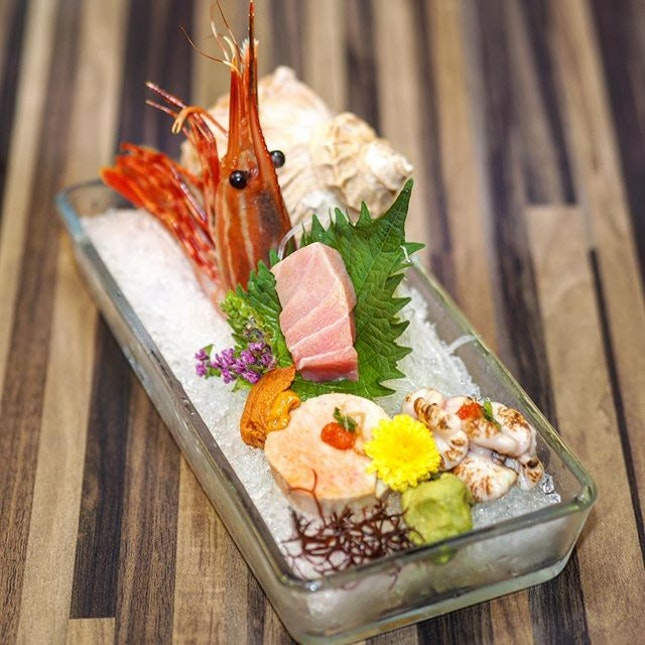 [Uni Gallery] - Diners get to sample different varieties of seafood with the Seasonal Sashimi which features a good mix of seafood like the Botan Ebi, Maguro Otoro, Bafun Uni, Ankimo, and Shirako.