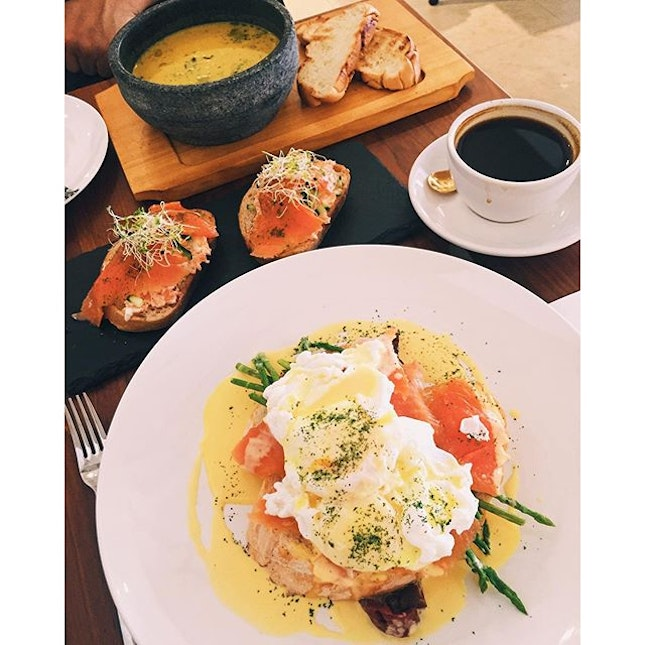 Saturday #brunch #date with mom!